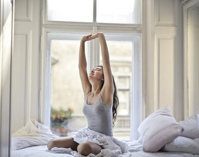ayurveda para vivir mejor, consejos ayurveda, rutina para la mañana, comenzar el día